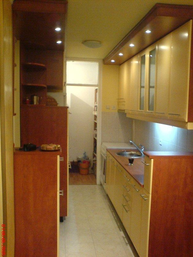 Nameštaj po meri - Kuhinje - Iverko plus k011