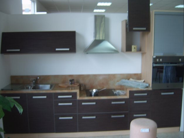 Nameštaj po meri - Kuhinje - Iverko plus k019